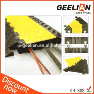 Roadway PVC Cover Rubber Cable Protector Humps pictures & photos