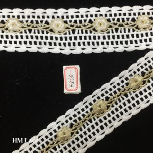 5.5cm Eyelet Double Fringe Line with Embroidered Gold Flower Trimming Lace Fabric Hme863 pictures & photos