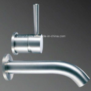 Kitchen & Faucets AISI304 Stainless Steel pictures & photos