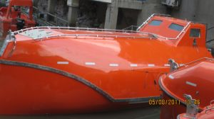 10-12 People GRP Fast Rescue Boat / Full Closed Lifeboat pictures & photos