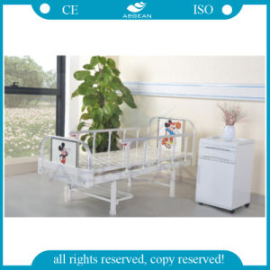 AG-CB001 Use The Children′s Ward ISO&Ce Approved Small Hospital Manual Child Bed pictures & photos