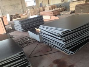 F17 Formply, High Quality, Black Film, Size 1200X2400X17mm, Fim Faced Plywood to Australia Market pictures & photos
