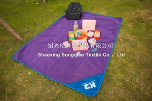 Polyester Fleece Picnic Blanket with Bandage/Custom Blanket pictures & photos