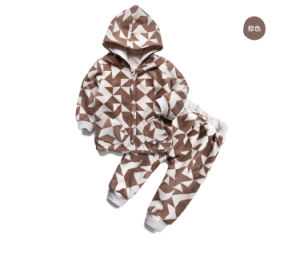 Hooded Organic Cotton Baby Clothing Set Fleece Newborn Baby Clothes Set pictures & photos