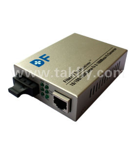 10/100/1000m Fiber Optical Media Converter Single Fiber pictures & photos