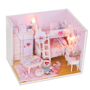Factory Direct Supply Wooden Toy Miniature Dolls House pictures & photos