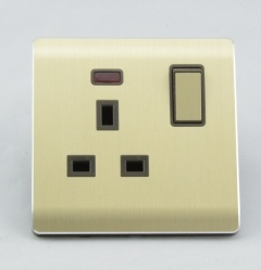 Wenzhou Good Quality 1 Gang 13A Metal Wall Switched Socket pictures & photos