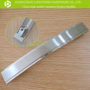 High Quality Zinc Alloy Wardrobe Pull Handle for Cabinet Drawer pictures & photos