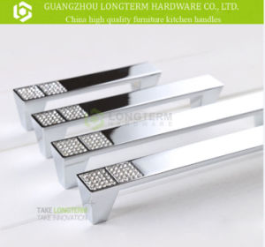 Fashion Chrome Plated Crystal Zinc Alloy Handle for Cabinet Drawer pictures & photos