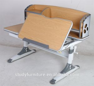 Istudy Ergonomic Techonology Non-Toxic Materials Wooden Furniture Children Table pictures & photos