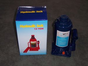 Hydraulic Bottle Jack (ZW1203B) 12tons Lift Jack pictures & photos