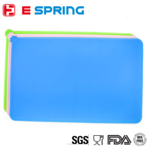 Dog Feeding Mat Silicone Waterproof Pet Food Mat pictures & photos