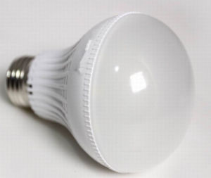 9W LED Bulb with Ce, CCC, RoHS and E14/E27/B22 Plastic Cover Lamp Light pictures & photos