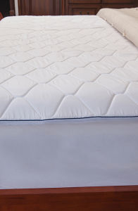 Memory Foam Quilted Mattress Protector pictures & photos