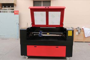 Laser Cutting CNC Machine for Wooden Door Metal Leather Bamboo pictures & photos