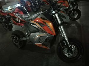 Cool Design M5 Electric Motorcycle Powerful Long Range 2kw~3kw 80km/H pictures & photos