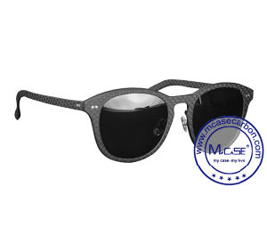 2017 Hot Sale Promotional Carbon Fiber and Glass Comfortable Sunglasses for Girl pictures & photos