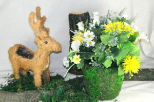 Garden Decorative Animal Shape Deer Rattan Flower Planter and Pot pictures & photos