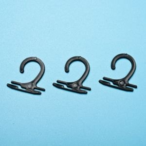 Garment Accessories Plastic Sock Hanging Hooks (SH001Z-4) pictures & photos