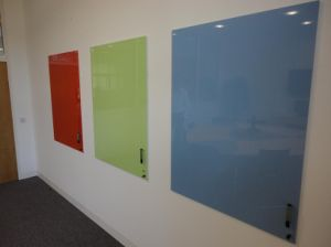 Coloured Whiteboards/ Tempered Glass Whiteboards with AS/NZS2208: 1996, BS6206, En12150 Certificate pictures & photos