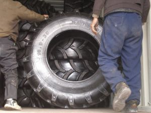 Agricultural Tractor Farm Tires 11.2-24 12.4-28 13.6-24 13.6-28 14.9-24 pictures & photos