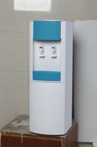 Fabulous Design Standing Water Dispenser with Cabinet (XJM-89) pictures & photos