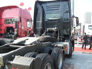 420HP Sinotruk / Cnhtc Heavy HOWO-A7 6X4 Tractor Truck pictures & photos