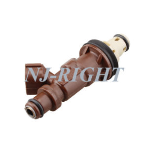 Denso Fuel Injector/ Injector/ Fuel Nozzel 23250-62040 for Toyota Landcruiser 4 Runner pictures & photos