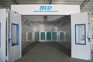 Used Car Painting Baking Room Semi Downdraft Spray Booth pictures & photos