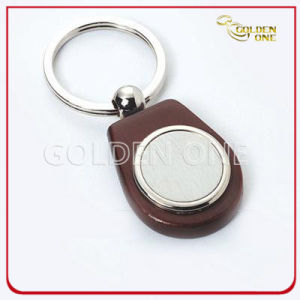 Superior Quality Wooden Keychain with Round Shape Metal pictures & photos