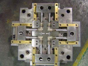 Injection Molding, Connector Mold, Injection Mold, Injection Mould pictures & photos