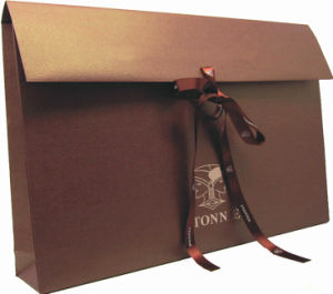 Golden Paper Folding Gift Bag for Candy pictures & photos