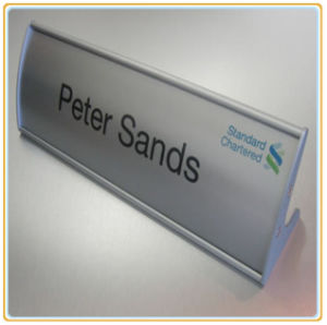 Curved Table Stand Signhoder/Name Holder pictures & photos