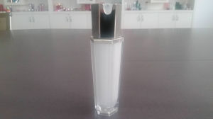 Gorgeous Cosmetic Packaging Hexagon Series Bottle-Qf-039 pictures & photos