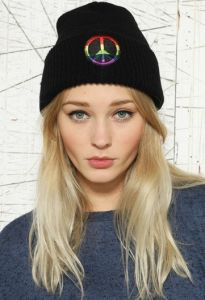 Black Beanie Hat Logo Embroidery Winter Hats Warm Caps (XT-B010) pictures & photos