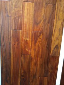 Acacia UV Finished Handscraped Solid Wood Flooring pictures & photos