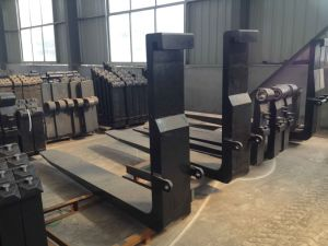 Standard Hook Type and Shaft Type Forklift Pallet Forks pictures & photos