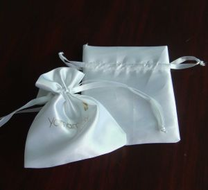 White Satin Pouch Bag with Golden Logo pictures & photos