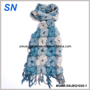 Fashion Multi-Toned Skinny Stripe Checked Winter Warm Ruffle Bubble Scarves pictures & photos