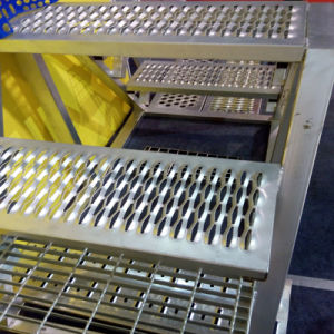 Galvanized Perforated Metal Grip Strut Stair Treads pictures & photos