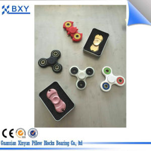 High Quality Plastic Frame with Hybrid Ceramic 608 Hand Finger Bearing pictures & photos