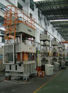 Hjs32-630 Four-Column Hydraulic Press Machine pictures & photos