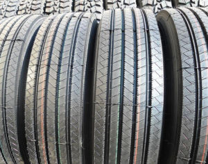 Tubeless Tyre for Bus 295/80r22.5, 315/80r22.5, Radial Truck Tyre, TBR Tyre pictures & photos