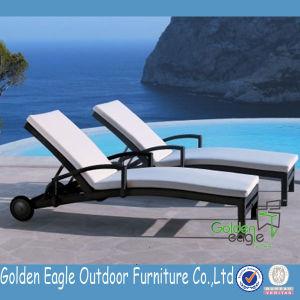 Special Design Rattan Garden Furniture Beach Chairs pictures & photos