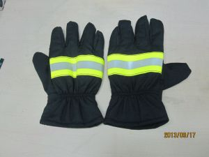 En Standard Fire Fighting Gloves / Fire Resistant Gloves / Fire Gloves pictures & photos