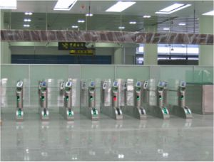 Automatic Boarding Gate with Barcode Scanning/Face Recognition pictures & photos