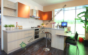 Melamine Surface Wooden Kitchen Cabinet (ZS-382) pictures & photos