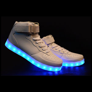 Men′s Fashion Sneakers LED Light Sports Shoes pictures & photos