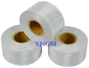 Reflective Lattice Tape Fabric Material for Safety Clothes/Vest pictures & photos