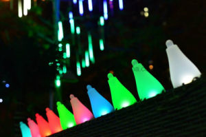High Quality Decorative Solar LED Power Garden Lights Supplier pictures & photos